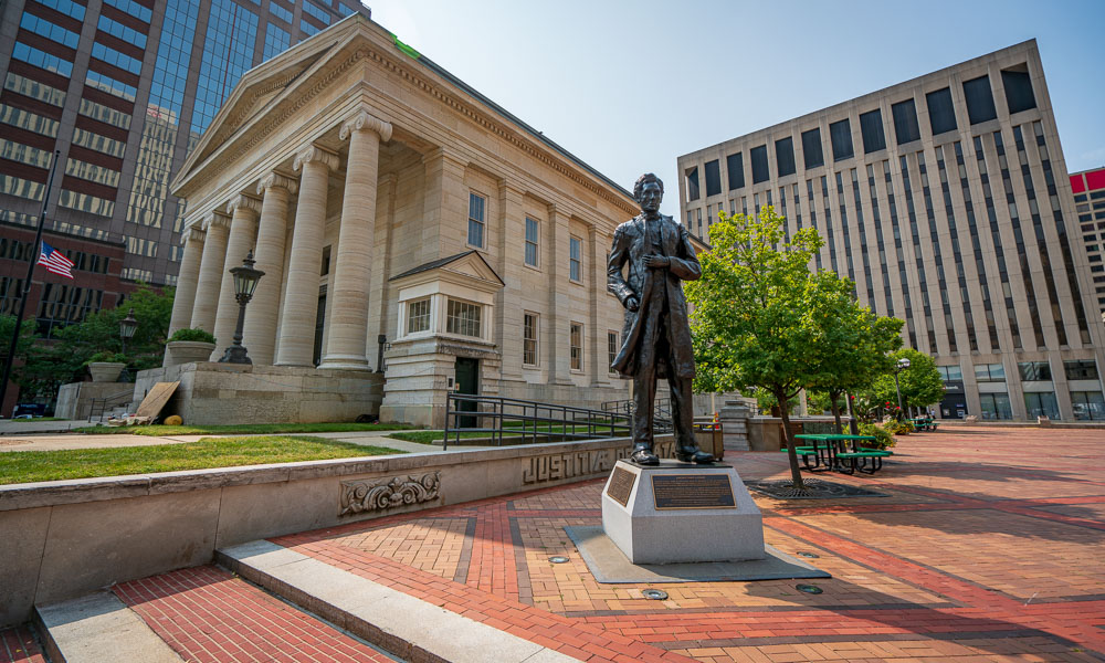 Abraham Lincoln Statue in Front of Building